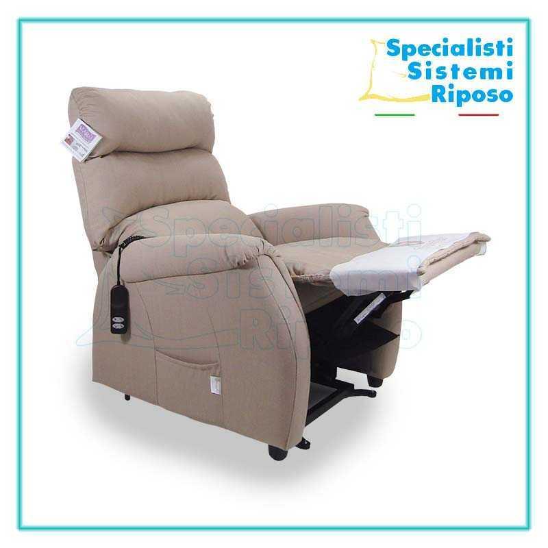 Poltrona soft reclinabile alzapersona in promozione for Poltrone motorizzate